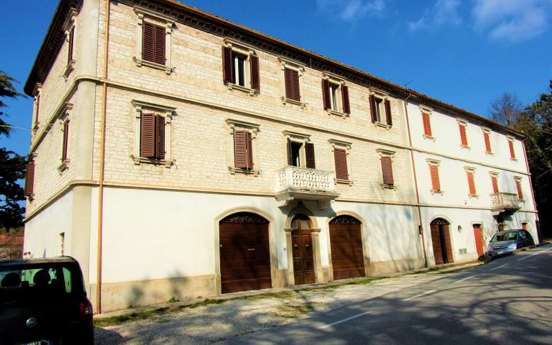 Fermignano  - Canavaccio - ampio appartamento stile rinascimentale.