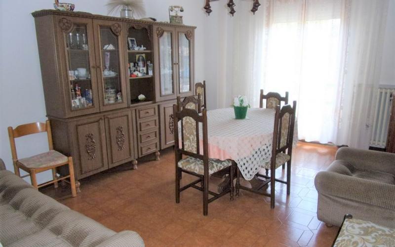 Urbino - Canavaccio – appartamento al piano rialzato