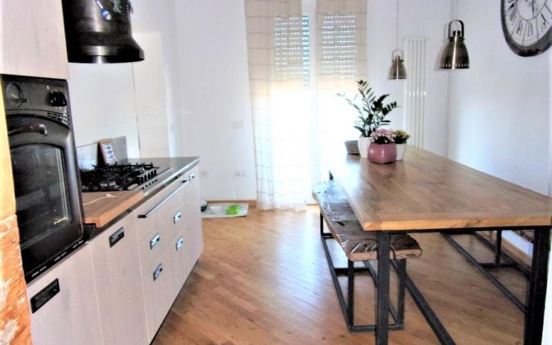 Montefelcino -  Vendesi appartamento finemente ristrutturato in un piccolo condominio.