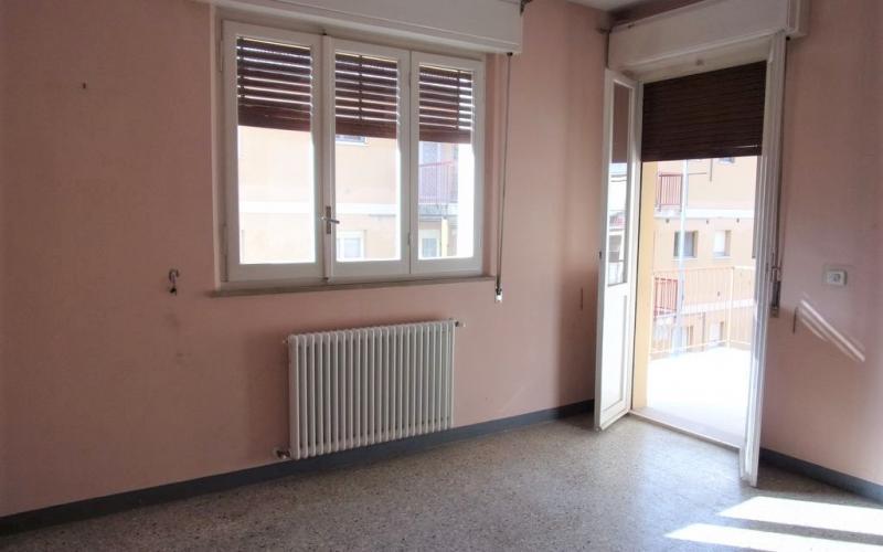 Fossombrone – Appartamento in buone condizioni generali, ubicato in tranquilla zona residenziale.