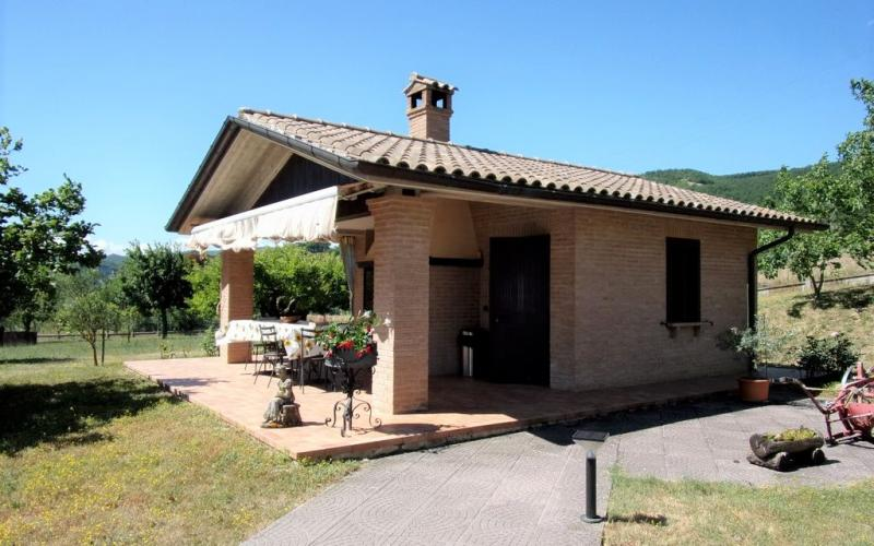 Belforte all'Isauro –  casa indipendente con giardino
